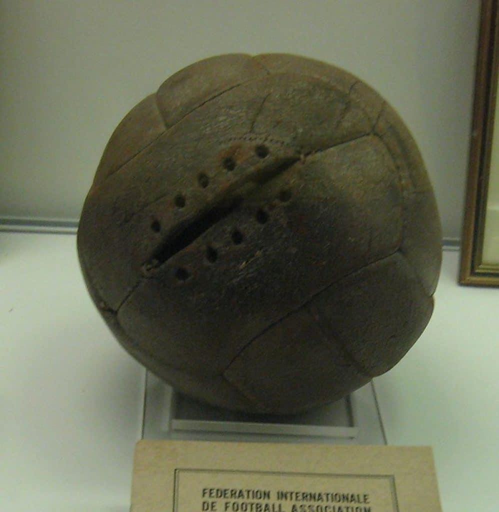 Quien invento el balón de fútbol-2