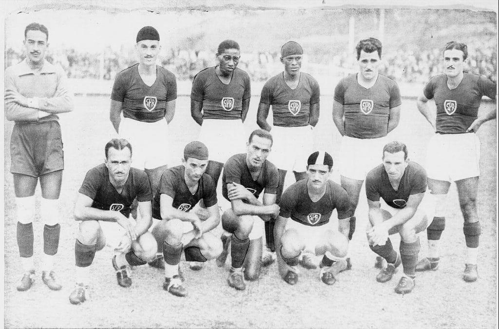conocer sobre la historia del futbol