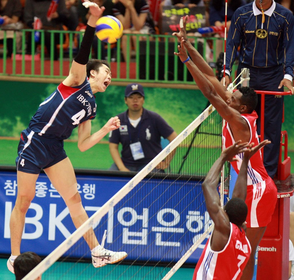 remate y bloque en voleibol