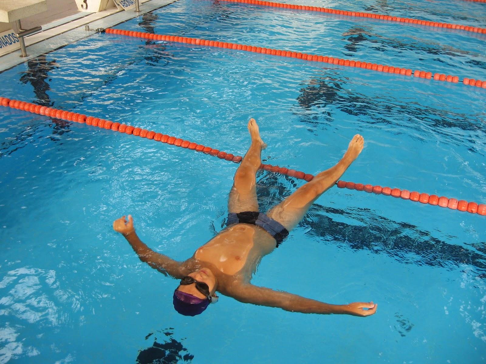 Ejercicios-de-natación-de-espalda-7