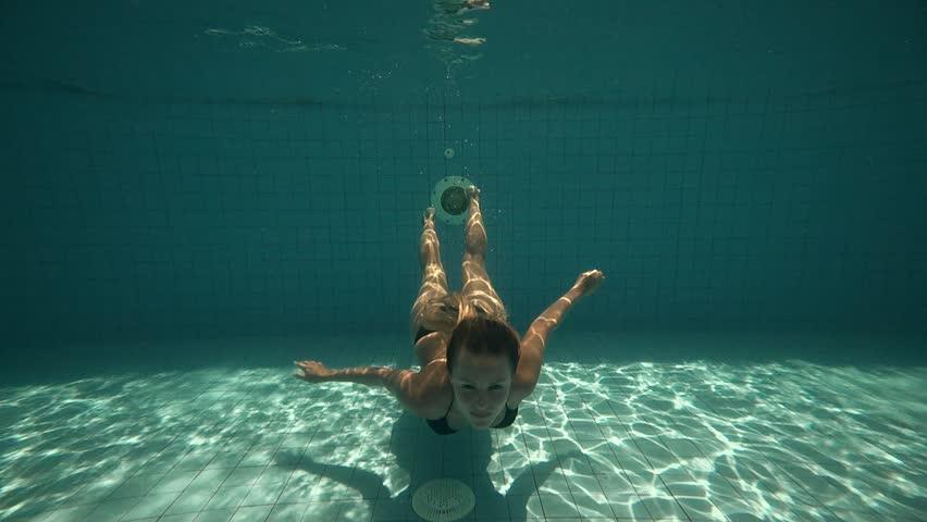 cómo-nadar-bajo-el-agua-4