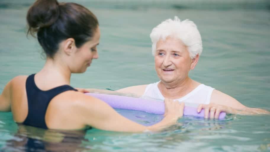 Ejercicios-de-natación-terapéutica-4