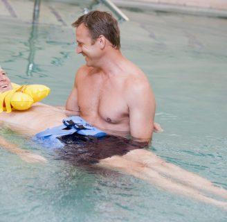 Ejercicios de natacion terapéutica: espalda, y todo lo que desconoce