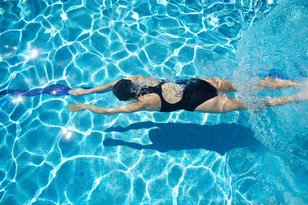 Ejercicios-de-natación-terapéutica-8