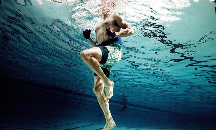 ejercicios-en-la-piscina-para-adelgazar-3