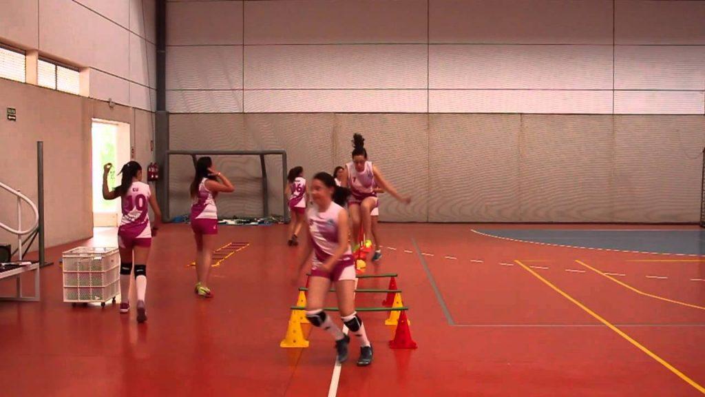 aprender todo sovre los ejercicios de entrenamiento de vóleibol