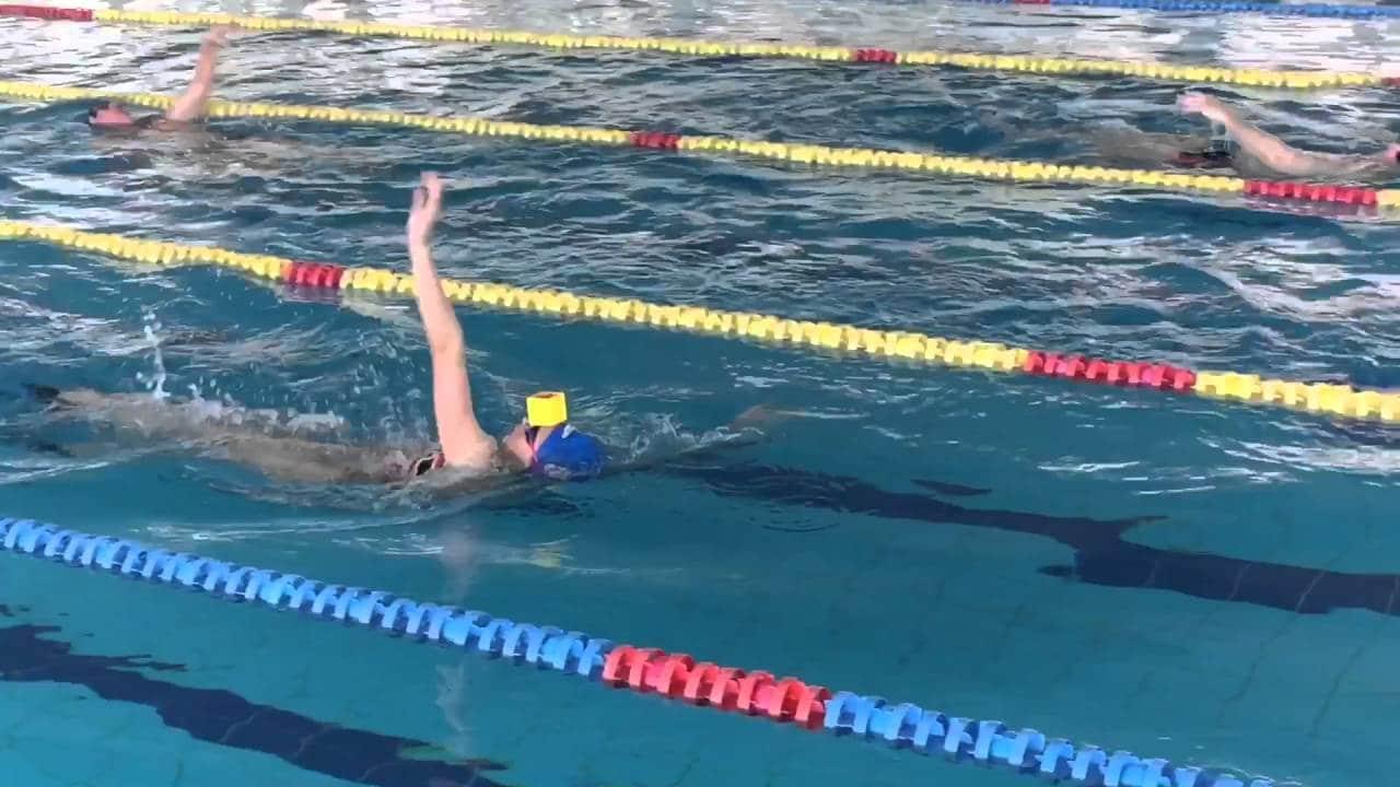 Técnicas-de-natación-espalda-5