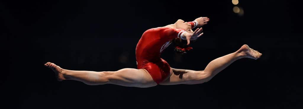 Saltos en gimnasia rítmica