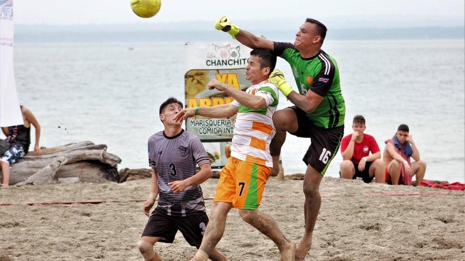 Reglas-del-futbol-playa-3