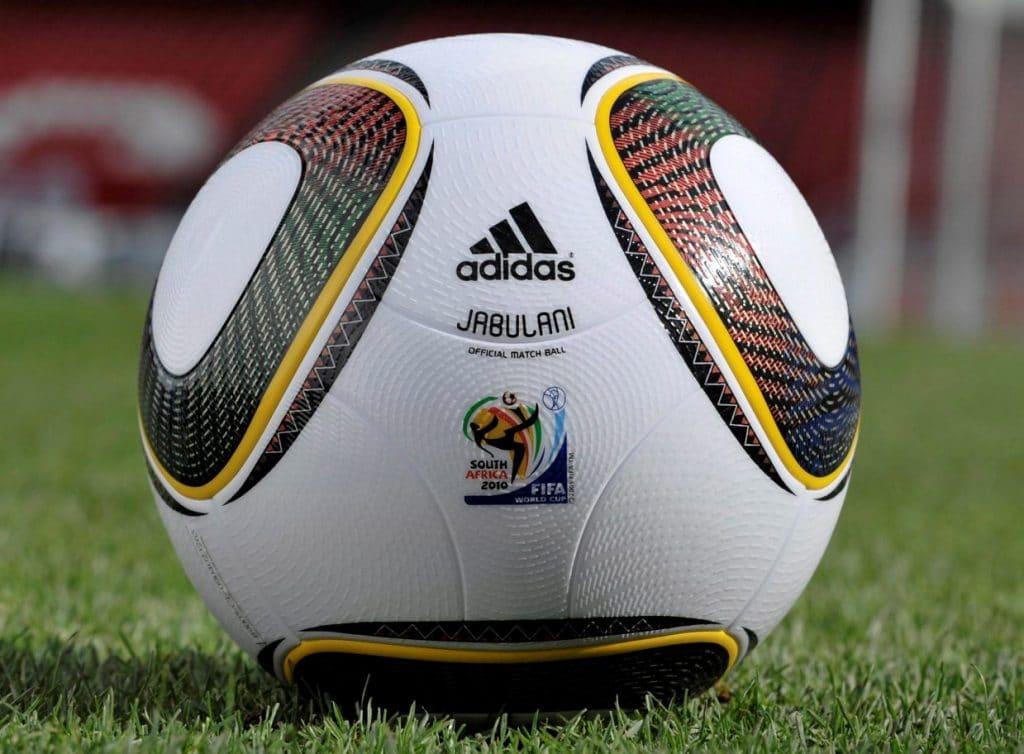 conoce más sobre el balón de fútbol antiguo