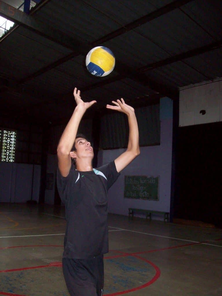 Ejercicios de saque en voleibol