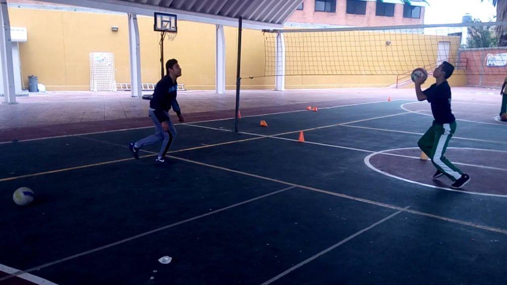 Ejercicios de remate en voleibol