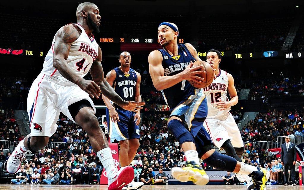 conoce cómo es el doble paso del baloncesto