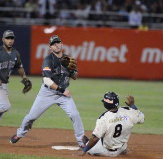 Doble Play en Béisbol: Todo lo que desconoce de él