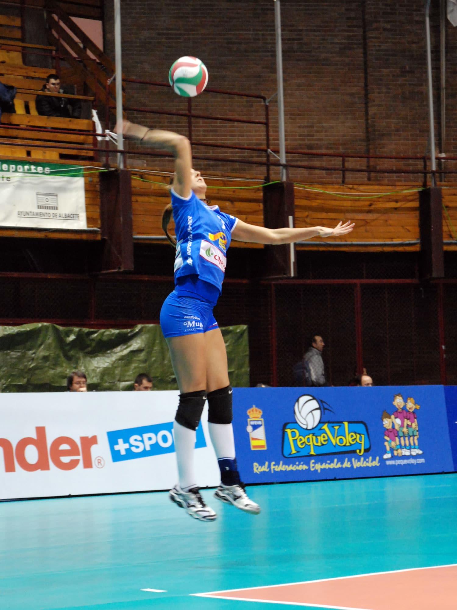 Fundamentos T U00e9cnicos Del Saque En Voleibol