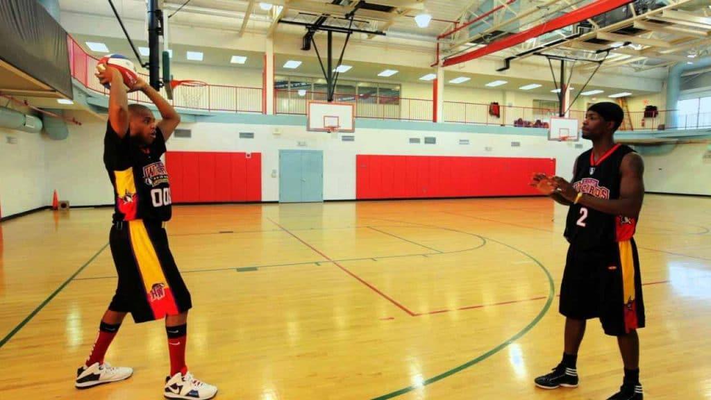 conoce los tipos de pases en basquetbol