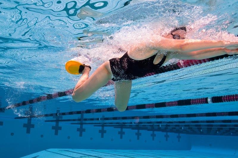 cómo-nadar-pecho-3