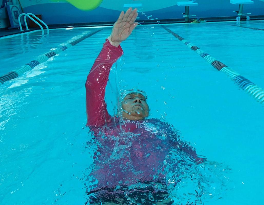 Ejercicios-de-natación-de-espalda-6