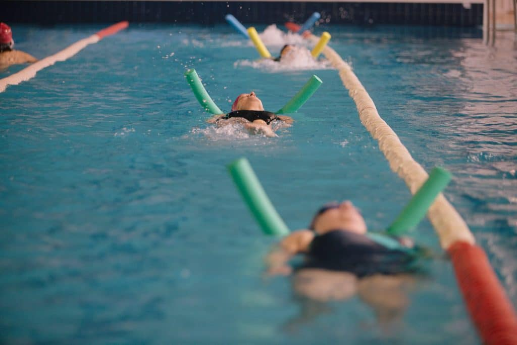 Ejercicios-de-natación-terapéutica-10