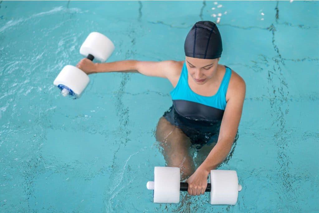 Ejercicios de natación terapéutica