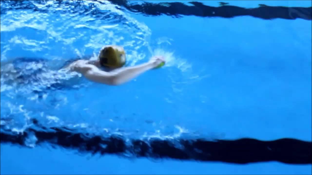 Ejercicios-de-natación-de-espalda-8