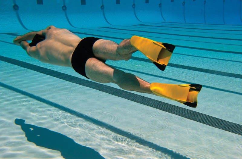 natacion con aletas